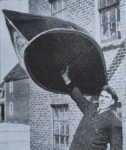 Chestnut Featherweight 1950